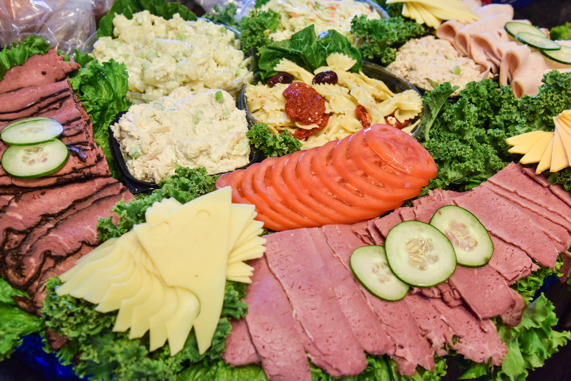FAMOUS CATERING PLATTERS
